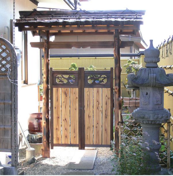 庭門・井戸
